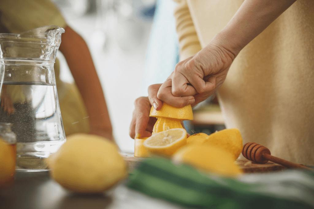 comment préparer l'eau citronnée ?